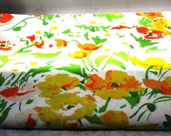 Vintage Flat Sheet Full Size Cotton Blend No Iron Percale Floral Poppy Daffodil, White Yellow Gold Green, Shabby Cottage Chic Upcycle Supply