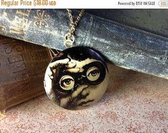 30% OFF Locket Necklace - Victorian Lady - Surreal Jewellery - Vintage Illustration - Elegant Strange Unusual Jewellery