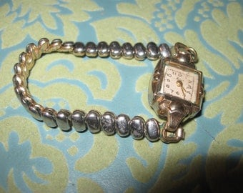 ladies stretchy band antique watch non working