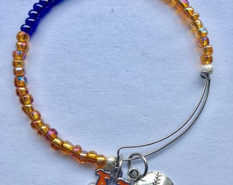 New York Mets  stainless Steel memory wire charm bracelet, expandable, 2 1/2 in diameter fits 7 1/2 to 8 inch wrist