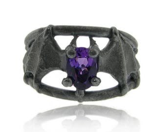 Bat Ring in black silver and Amethyst