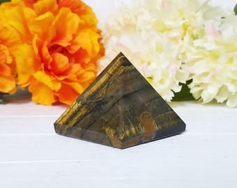 Tiger Eye Gemstone Pyramid - Stone for Protection