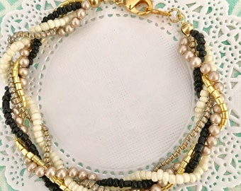 black white and gold twist beaded bracelet. Simple black and white friendship bracelet for everyday.