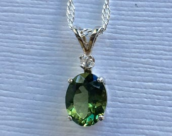 Green Apatite 9x7mm 1.50ct Sterling Silver Pendant Necklace