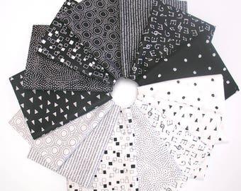 Monochrome - Fat Quarter Fabric Bundle by Makower UK - the Henley Studio - 14 prints