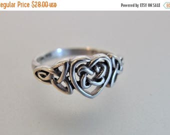 ON SALE Pretty Vintage Sterling Silver Celtic Knot Heart Ring