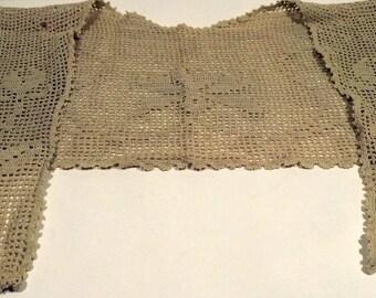 Ecru cream crochet tulip collar