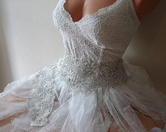 Bridal Rhinestone Wedding Sash Belt, Statement Wedding Accessories, Hand Embroidery lace Sash, Wide Rhinestone Wedding Dress Belt