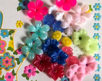 Vintage Flower Beads, Plastic and lucite beads, Destash Beads, Flowers, Shabby Chic Flowers, #B104