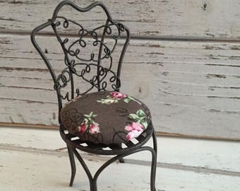 SALE Miniature Garden Chair With Cushion by Reutter, Wire Chair, Dollhouse Miniature, 1:12 Scale, Pretty Metal Chair With Custion