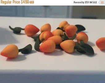 SALE Miniature Peaches, 12 Pieces, 1 Dozen Peaches with Leaves, Dollhouse Miniature Food, 1:12 Scale, Dollhouse Accessories, Decor, Mini Fru