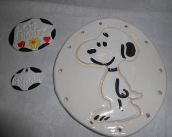 Snoopy Pine Needle Base with embellishments 4 1/4''