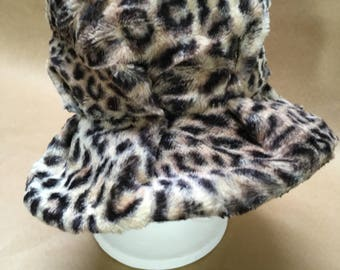 Animal Print Bucket Hat-- 1950s--1960s--Small or Extra Small-- Mad Men Hat