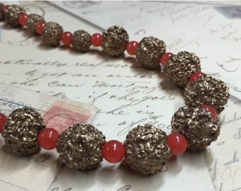 ON SALE Chunky Red-Orange and Gold Necklace - Resin Beads and Coral Cats Eye Beaded Necklace - BoHo Stretch Necklace - R81