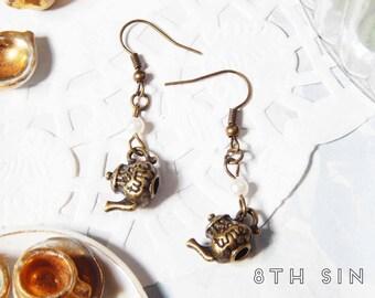 Antique Bronze Tea Pot Earrings, Antique Bronze Teapot Earrings, Antique Bronze Tea Earrings, Antique Bronze Tea Party Earrings, Tea Cup