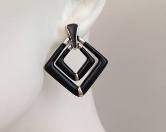 Vintage Black And Silver Earrings / Triangle Silver Metal Earrings / Fashion Jewelry