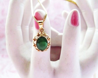 Gold and 925 Silver Oval Chrysoprase Pendant