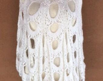Vintage 70's - White Crochet Acrylic Poncho