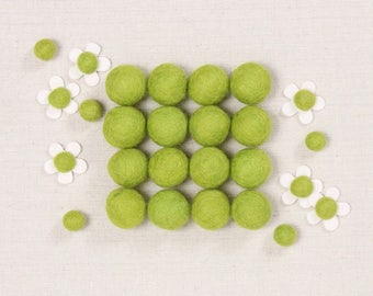 Felt Balls // Fern Green // Felt Pom, Christmas DIY, Pom Garland, Felt Flower Supplies, Felt Beads, St. Patrick's Day Craft, Kids Project