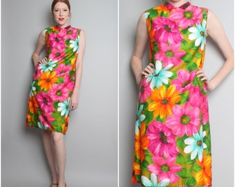 1960's Bright Floral Dress / 60s Mod Shift / Medium