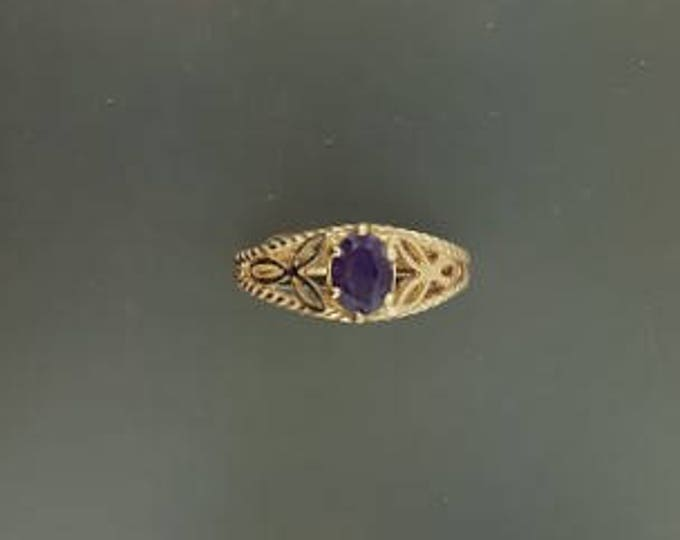 Knotwork and Gemstone Ring in Antique Bronze