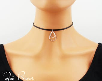 Silver double teardrop choker. Dainty choker necklace. Minimal choker. Silver tear drop choker necklace.