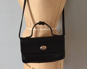 25% OFF SALE... leather doctor bag | turn lock top handle messenger purse