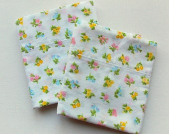Vintage Pillow Case Set  / Pastel Florals / Vintage Linens / Farmhouse Decor