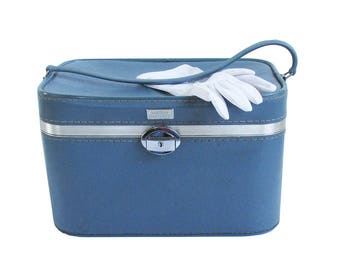Blue Mid Century Amelia Earhart Train Case, Make-up Case with Mirror & Key