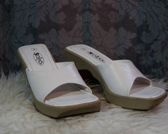 Sz 8 New Old Stock Vintage 70's White Chunky Heel Platform Slippers