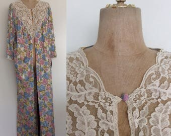 1980's Nylon Floral Nightgown Overcoat Size Medium Large XL by Maeberry Vintage