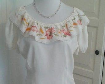 ON SALE 40s Hand Painted Peasant Style Blouse, Puffed Sleeves, Side Zipper, Size Medium