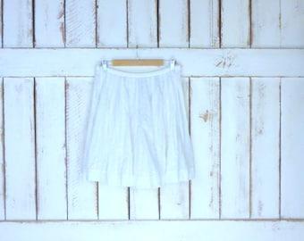 Vintage 90s white eyelet cotton knee length skater skirt/sheer white cotton skirt