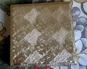 Kigu Vintage Gold Tone Compact
