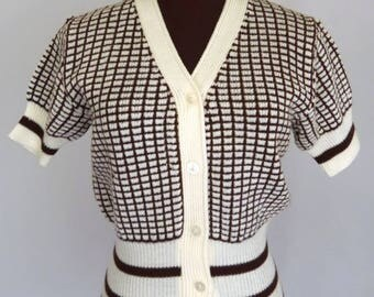 Vintage 70's Cardigan Short Sleeves Brown and Cream Checked Pattern with Stripes Size Medium / M
