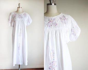 Vintage Cotton Embroidered Dress / Oaxacan Dress / Hippie Boho / M L