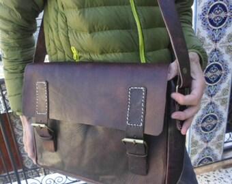 SALE! Leather messenger, leather cross body bag, sacoche marron cuir