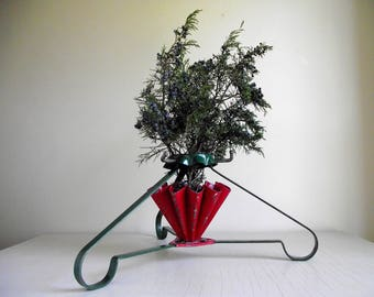 Vintage Christmas Tree Stand , Retro Lifetime Junior S B Mfg Co. Tree Stand Made In USA , Red & Green Metal Tree Stand , Holiday Decor