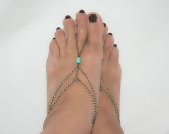 Feet with turquoise (m1b1) bracelets