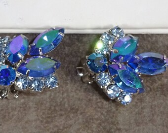 "Vintage Sarah Coventry ""BLUE LAGOON"" FROM 1964 beautiful Blue Arora Borealis Rhinestones  silver tones Earrings"