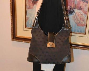 June Savings Dooney & Bourke~Dooney Bag~ Shoulder Bag~ USA Made ~Dooney