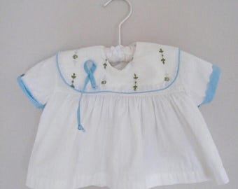 20% OFF SALE Vintage 1950s Baby Shirt / White and Blue