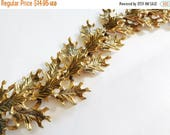 SALE Vintage Leaf Bracelet Gold tone 3D links Beautiful Oak leaf details Chunky Fashion Statement
