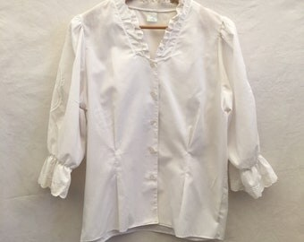Size 16 White folk blouse with broderie anglais motif