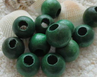 Wood Beads - 14mm Round - Green - 24 pcs