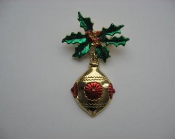 Vintage Signed AAI Christmas Pin/Brooch//Enamel Goldtone Holly and Ornament//Designer Signed Holiday Jewelry//Collectible Jewelry