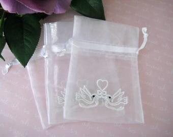 "Wedding Favors Bags Two White Doves Embroidered White Organza Bags for Wedding Favors, 3.25"" x 4.75"" / 8 cm x 12 cm"