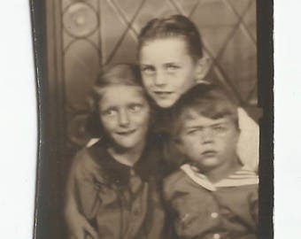 "Vintage Snapshot ""Big Brother"" Poses With Younger Siblings Photobooth Arcade Found Vernacular Photo"