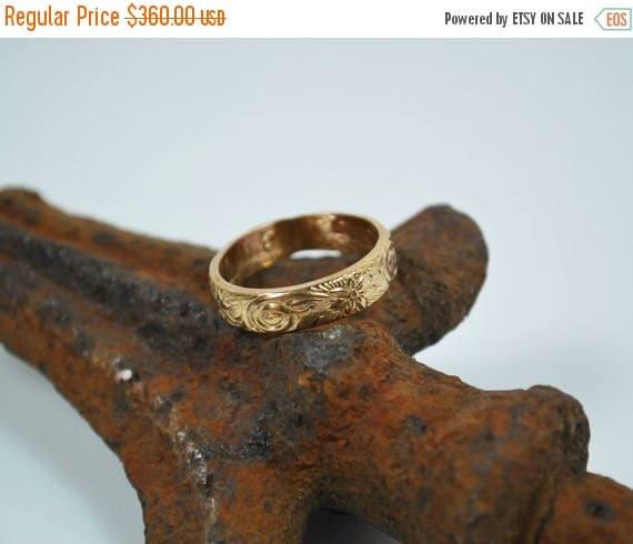 ON SALE Wedding Band - 14K Gold Vintage Style Wedding Band - Wedding Ring