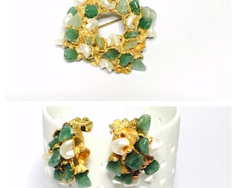 Vintage signed Snoboda Demi Parure clip on Earrings & Brooch set, Pearls, Gold Tone, semi precious, Item No. B031